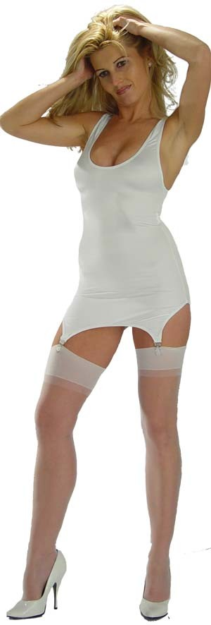 D27 Cire low cut sleeveless dress with 4 garters